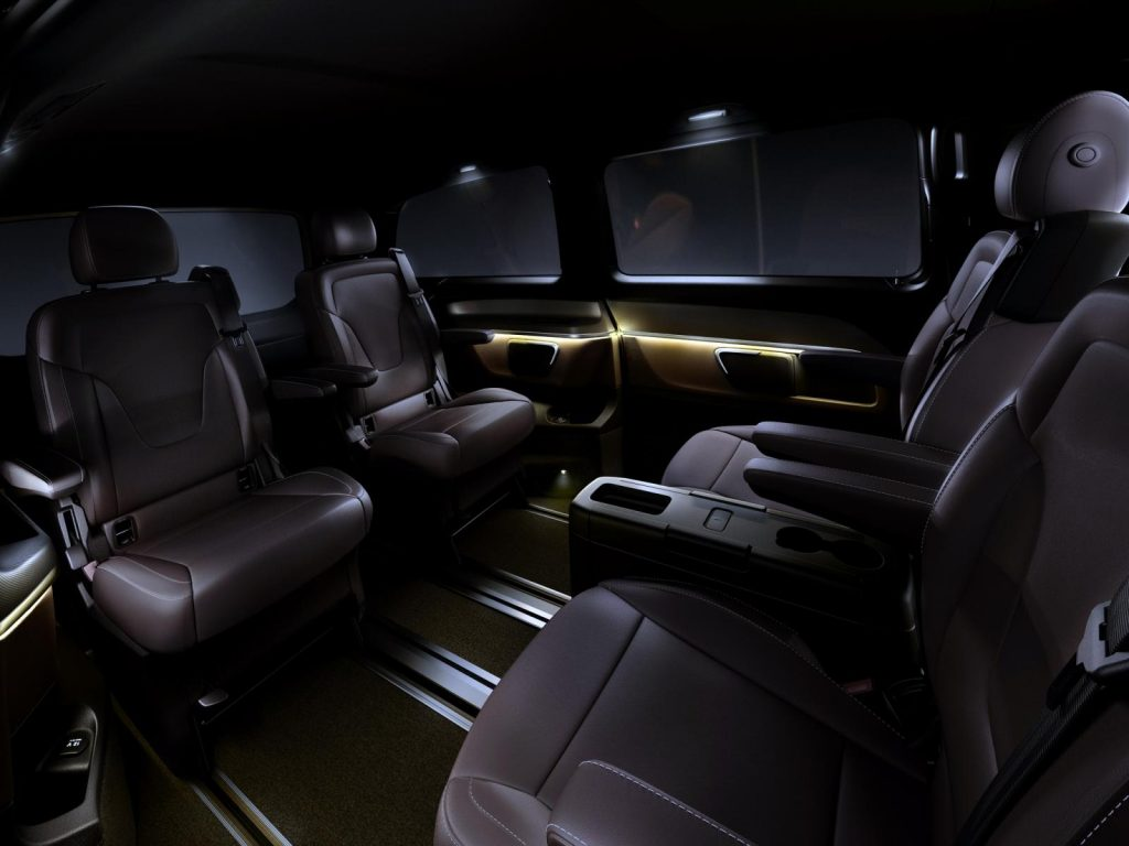 2014-Mercedes-V-Class-13